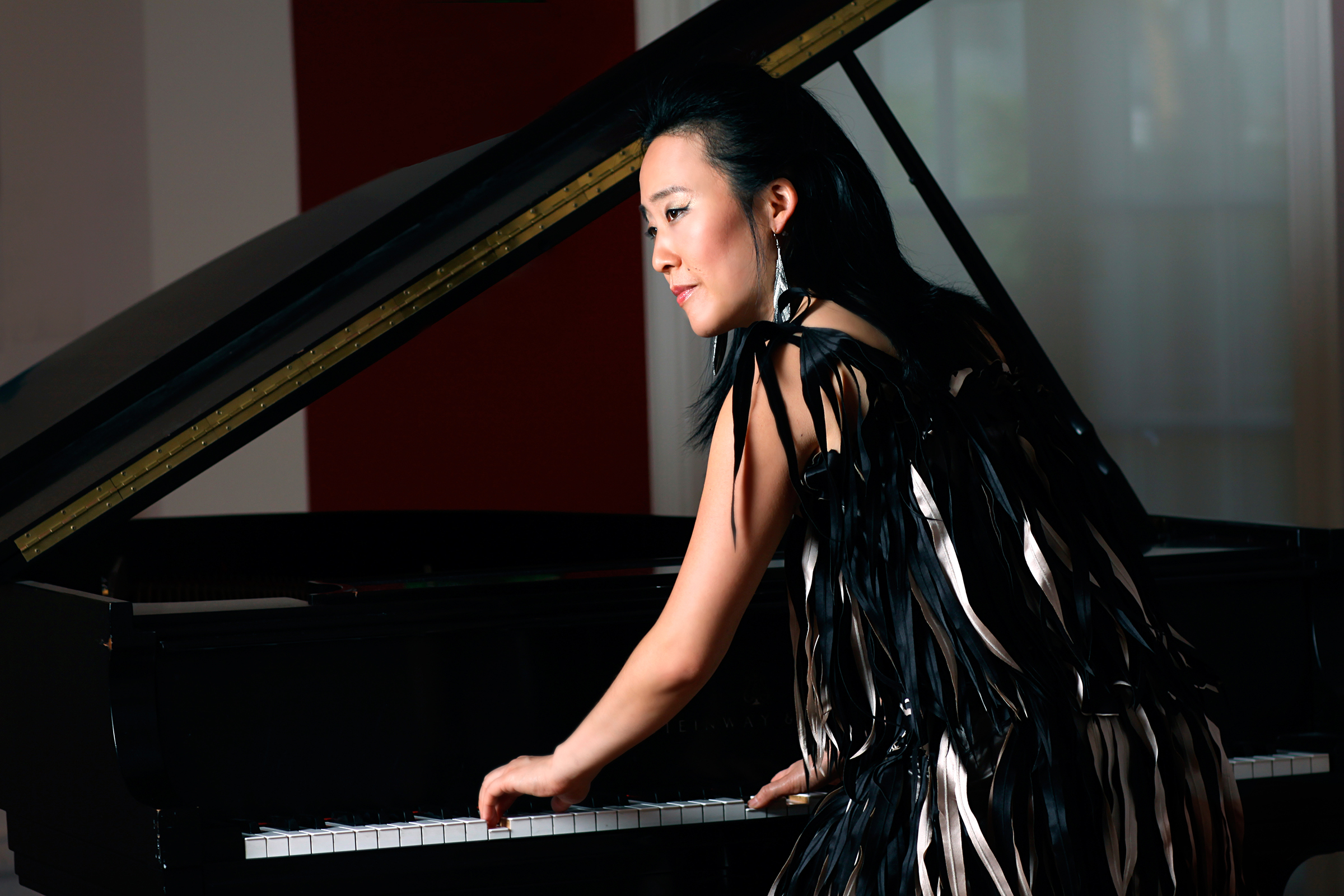 Helen Sung 'Sung With Words' at the Jazz Gallery Reviewed on Downbeat.com