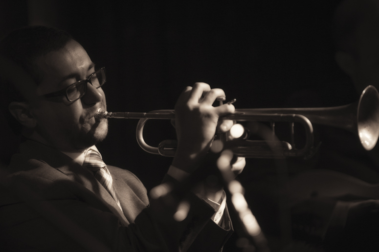Critical Jazz Review of 'Progress Report', Dave Neves