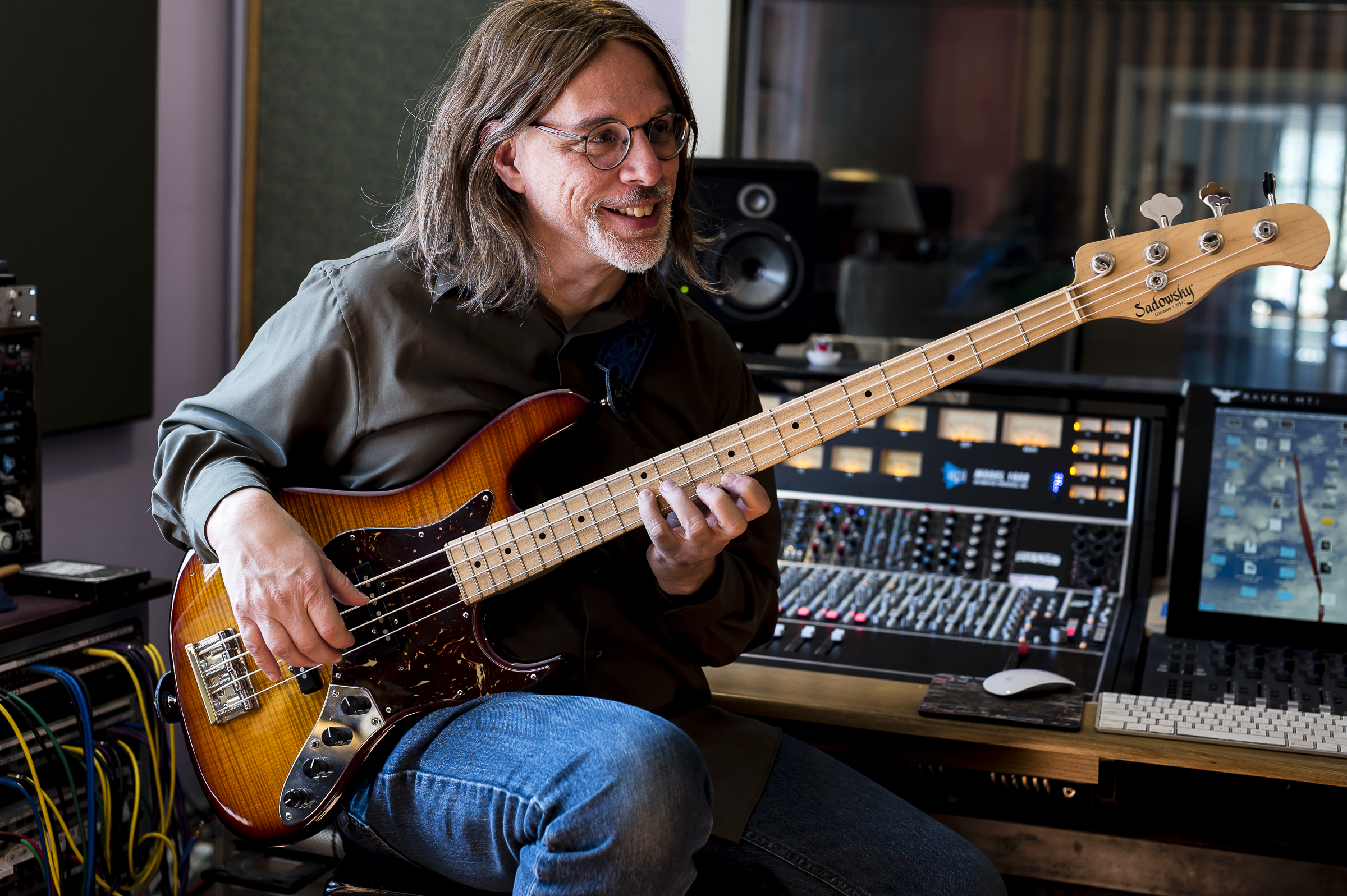 BASS MUSICIAN MAGAZINE: Award Winning Composer, Producer and Engineer Scott Petito Brings Together an All-Star Ensemble on Rainbow Gravity
