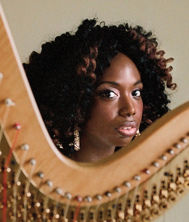 THE NEW YORKER: Brandee Younger Manifests her Own Vision of the Harp's Potential